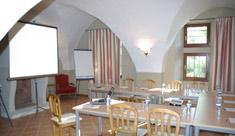 Salle de réunion dans la bibliothèque